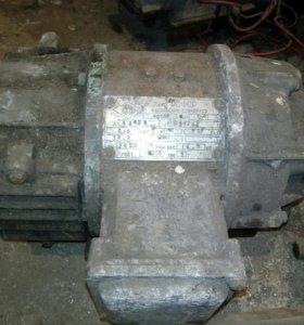 Элктродвигатель постоянного 50в. 0.5квт 2800об.