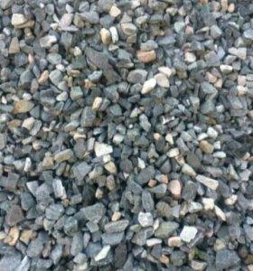 Щебень, отсев, песок.