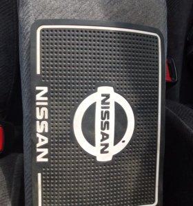 Коврик в машину Nissan