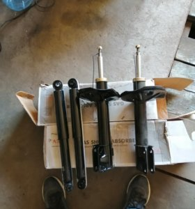 стойки и амортизаторы на Mitsubishi Pajero mini
