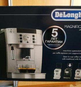 Кофемашина De'longhi ecam 22.110 Чёрная. Новая