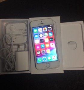 Айфон 5s,Silver,16Gb RU/Aс отпечатком(полный компл