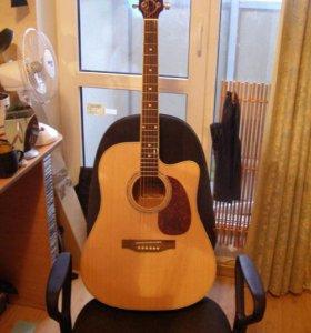 акустическая гитара марки Saiya
