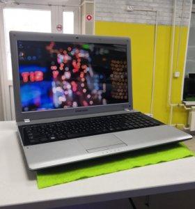 Отличный офисный ноутбук SAMSUNG NP-RV513L