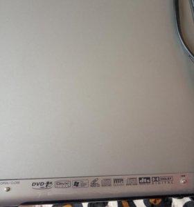 DVD проигрыватель с системой караоке