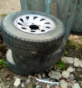 Продам колёса с дисками от Сузуки искуд 205/70R15