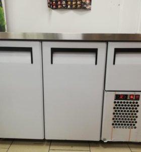 Холодильный стол, витрина и стойка для островка