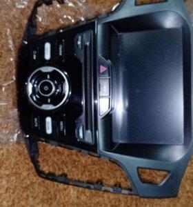 Штатная магнитола Ford Focus III Phantom DVM-8530