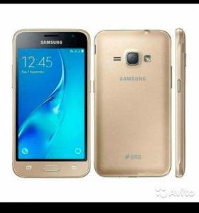 Смартфон Samsung Galaxy J1 (2016) SM-J120F/DS золо
