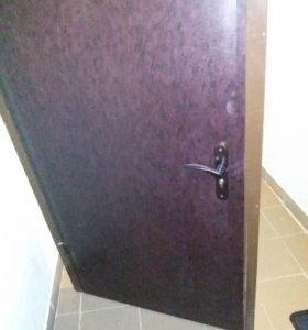 Дверь металлическая б/у. Самовывоз.