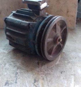 Электродвигатель 1,5 квт, 1500 об/мин