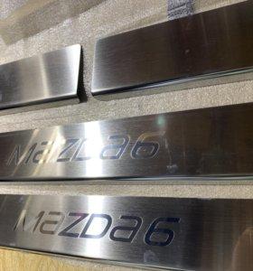 Накладки на пороги на Mazda 6