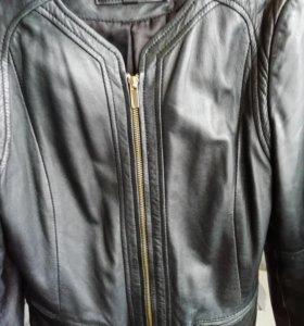 Кожаная куртка манго