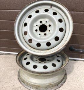 Штампованный диск R-14(болотного цвета).