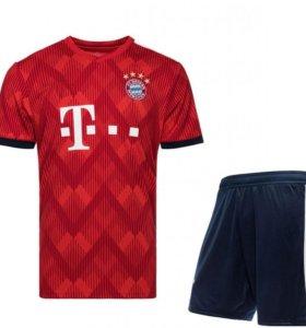 Футбольная форма Баварии (основная)
