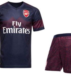 Форма лондонского Арсенала выездная