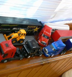 модели грузовиков с прицепами 1:43 New Ray