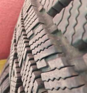 Резина шины покрышки зима зимнее шипованные шипы
