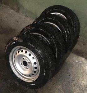 Pirelli ice zero 195/60/15 4*114.3