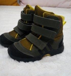Ботинки зимние Adidas 25 размер
