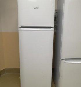 Красивый холодильник с цветами