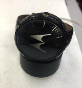 Часы Motorola смарт