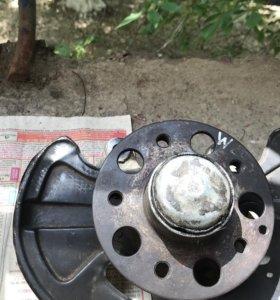 Поворотный кулак со ступицей Mercedes w203, 204