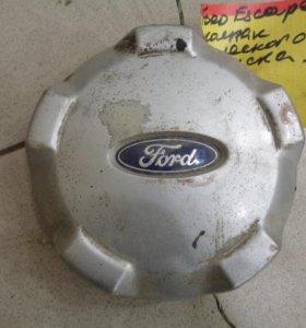 Колпак декоративный легкосплавного диска  Форд Эскейп 2001-2006.  YL8Z1130EB