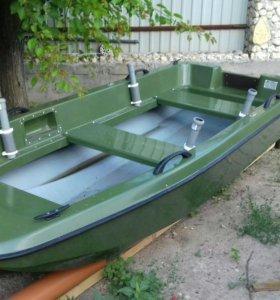 """Лодка """"Кайман 300"""""""