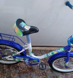 Детский двухколёсный велосипед