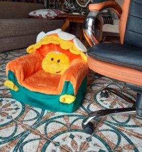 Креслице для ребенка