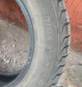 Продам почти новые зимние шины