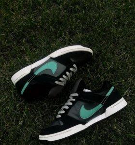 Кроссовки Nike культовой модели SB Dunk