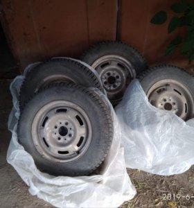 Комплект зимних шин на ВАЗ,LADA R13