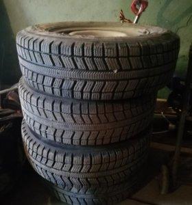 Два комплекта колес зима
