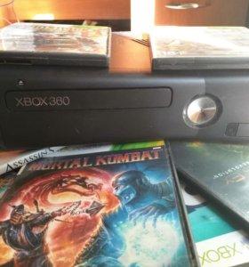 XBOX 360 в идеальном состоянии, без дефектов.