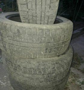 шины dunlop 215/55 r17 зима 4шт