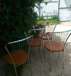 Кухонные стулья (4шт.) и стол (1 шт.)Хромированные