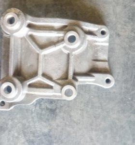Кронштейн кондиционера Suzuki 9511164J10