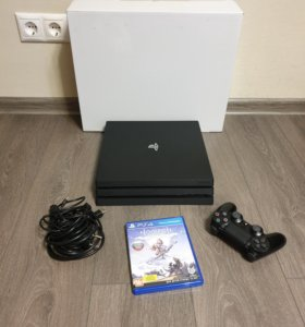 Игровая приставка PS4 PRO