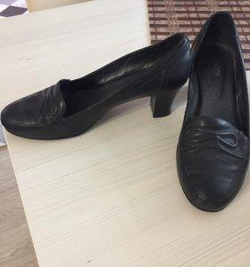 Продам Туфли 3 пары