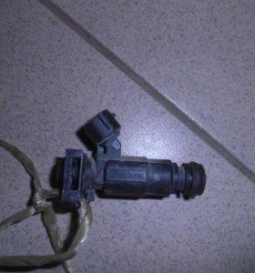 Форсунка инжекторная электрическая  Хендай, Хундай Акцент 2000-2012.  3531022600