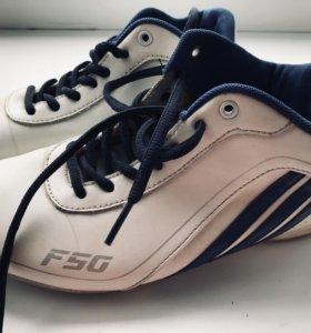 Лыжные ботинки в отличном состоянии р-р 38