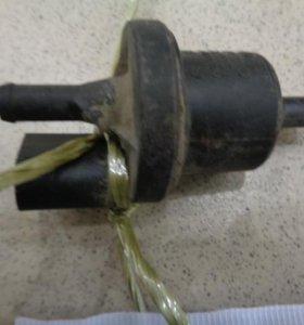 Клапан вентиляции топливного бака  Шкода Фабиа 1999-2007.  0280142345