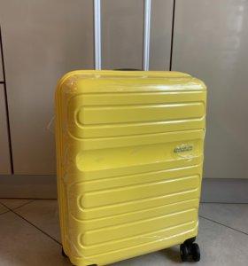 Чемодан American Tourister Sunside S желтый