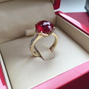 Золотое кольцо с бриллиантами  Золотое кольцо Chopard из золота с  бриллиантами a18685f3000