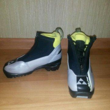 Лыжные ботинки детские – купить в Щербинке, цена 1 500 руб., дата ... 8a9ea437e59