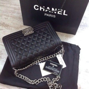 Продам сумку Dior+подарок – купить в Королеве, цена 2 500 руб., дата ... 2ef78ff17ea