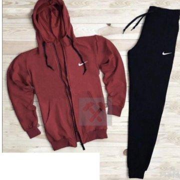 418984fcdd1 Спортивный мужской костюм Nike  Мужской спортивный костюм Nike