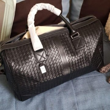 7cd5646bd8a4 Мужская кожаная сумка Bottega Veneta новая; Дорожная сумка Bottega Veneta